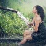 Którą część ciała myjesz najpierw pod prysznicem? — Odpowiedź wskaże ci twoje podejście do życia. Test osobowości.